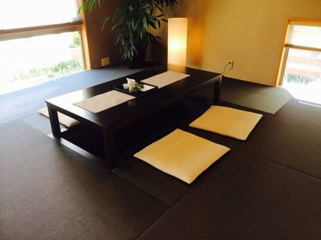 """Very popular these days! """"Oki-datami"""" that fits perfectly to European housing"""