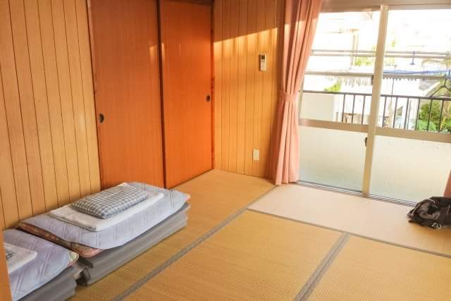 Cleanliness of Japanese comes from Tatami?