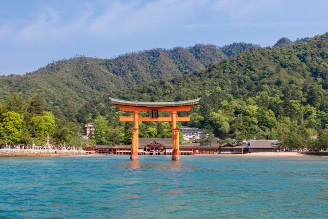 Itsukusima-Jinaja and Senjo-Kaku Sacred history in Miyajima