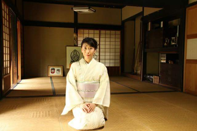 "The manner in the tatami room is ""seiza (sitting straight)"" But is this history surprisingly short?"