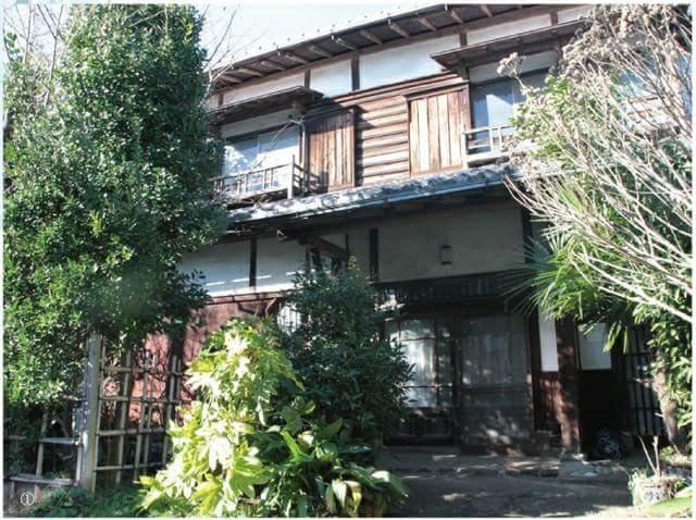 "The tatami room where a Japanese author ""Osamu DAZAI"" created masterpieces"