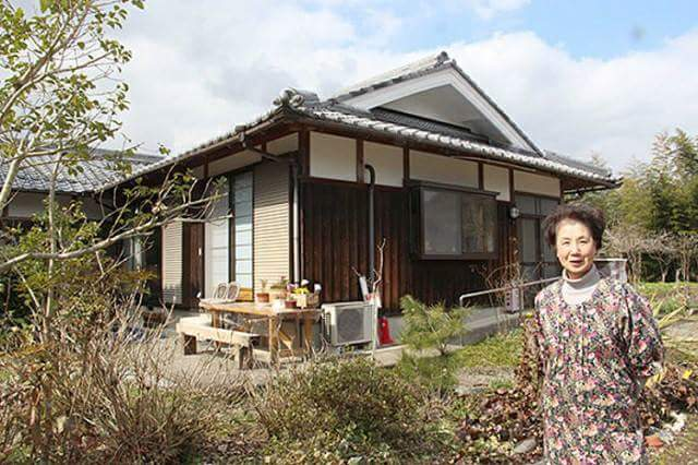 "Possible to stay for a long time at the tatami room ""Farm-inn"" in Japan"