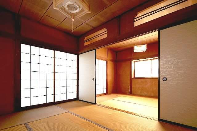Can we have a tatami floored second house in Japan!?