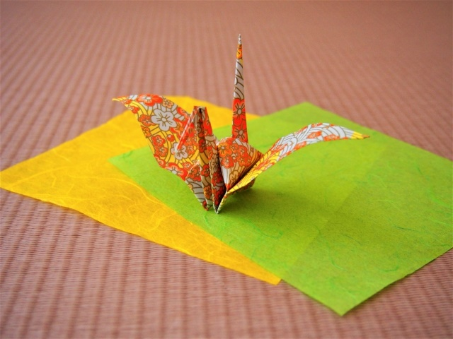 """""""Relationships"""" of Japanese culture through the tatami, the school, and the origami"""