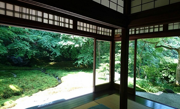 "Ruriko-in in Kyoto See ""marvelous green view"" on the tatami"