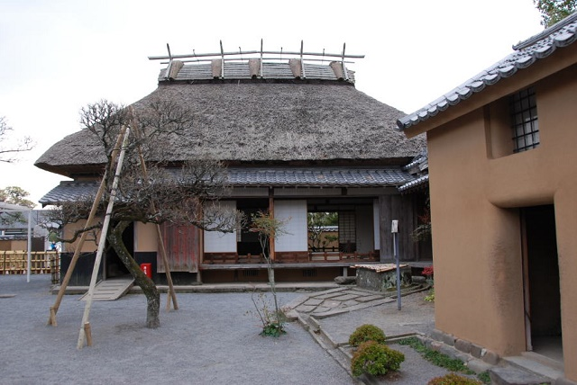 Yukichi FUKUZAWA, an educator boasted to the world Visit a Japanese traditional house in Nakatsu to feel his root and passions