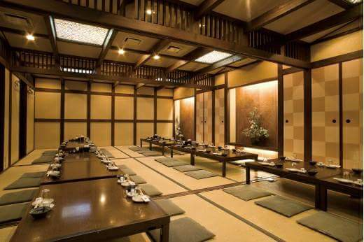 Kyoto A restaurant to enjoy the Japanese food and the Japanese sake in the tatami floored room
