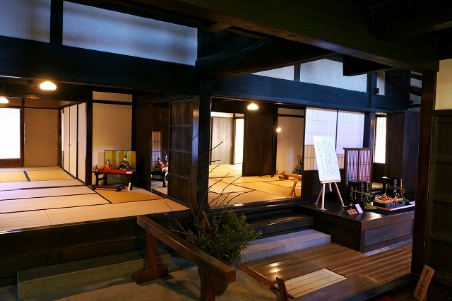 This is Japan and taste of Japan Stroll a castle town of Hachimanyama-jo Castle and tatami cafe