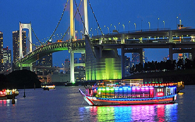 """Why can't you be relaxed on the tatami and try """"Yakata-bune (houseboat)"""", a sightseeing in Japan on the water?"""