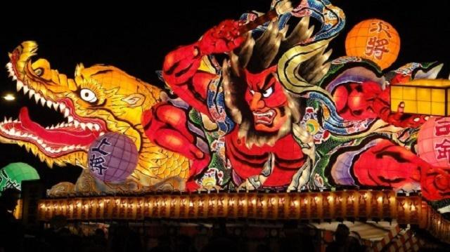 "Feel the tradition in ""the Japanese summer"" Nebuta Festival in Aomori and Senjoujiki Coast"