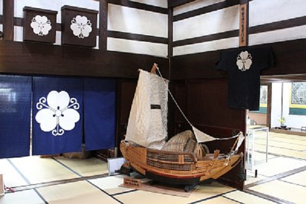 """Owara-Kaze-no-Bon Festival"" A ship on the tatami at a folk house The summer in Toyama with Japanese-style feeling"