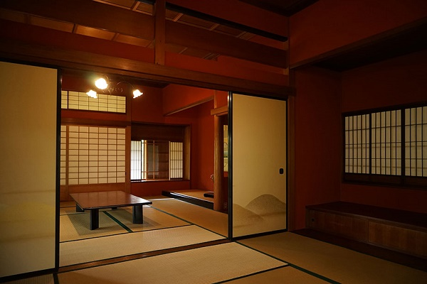 Atami Hot Spring with 1,200 years of history and Kiunkaku with Japanese spirits