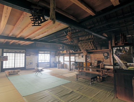 Feeling rich nature of Minakami Hot Spring Village Old and good Japanese traditional experiences on the tatami