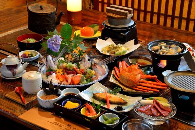 Attractive Sado Island Enjoy seafoods on the island of the Sea of Japan