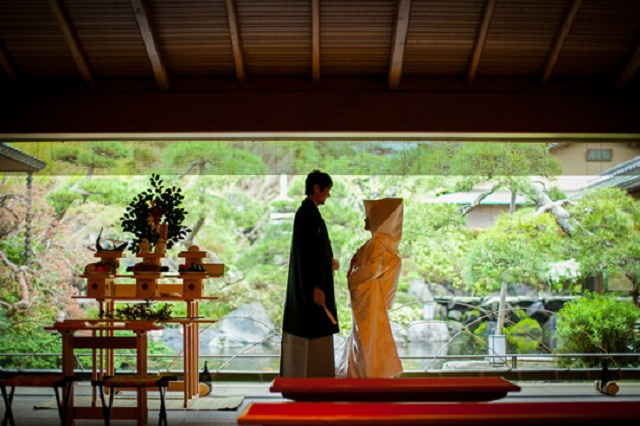 "Bring lucks, ""June Bride"" Charms and traditions of ""Japanese wedding"" in Japanese atmosphere"