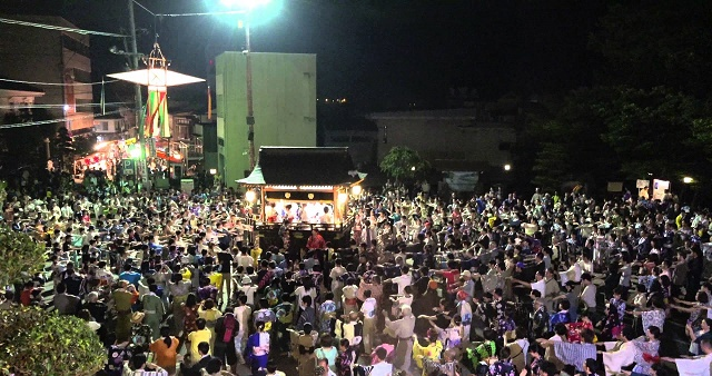 """Let's dance in the Japanese tasteful town, Gujo Hachiman! Japanese summer traditions """"Bon Odori"""" and """"Machiya Stay"""""""