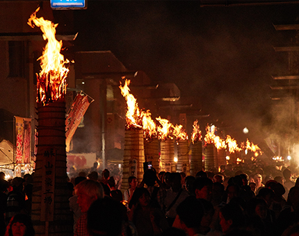 """Powerful fire festival and historic """"House of Oshi"""" Seeing the worldwide well known mountain, Mt. Fuji in Fuji Yoshida during the summer"""