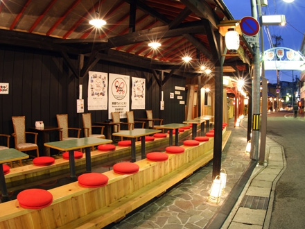 "White sand beach ""Shirarahama"" Enjoy the Japanese atmosphere and eating ""Rare Fish"" at the historic inn"