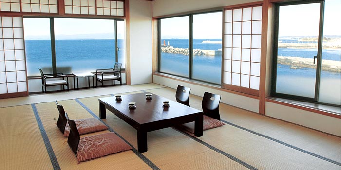 Full of tuna in Misaki, Kanagawa Prefecture  Vol.3 Maguro-Katsu (tuna cutlet), Maguro-Man (Chinese bun with tuna), Gyoza, curry, and sweets!?