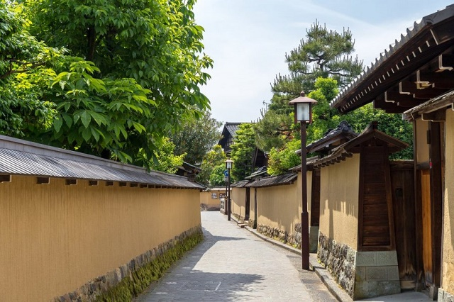 "Kanazawa, the proudly ""old town"" in Japan A famous garden Kenroku-en and samurai houses Winter marvelous views, looked attractive with the snow"