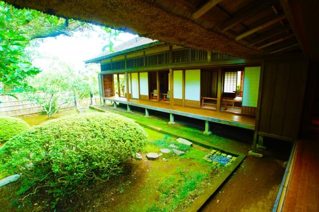 """Kairakuen"" in Mito, Ibaraki, fulfilled by Japanese atmosphere  Ume blossoms and the remain ""Koubuntei"""