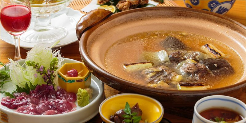 Rich in nutritional value and simple taste  Soft shelled turtle hot pot, making people cheerful