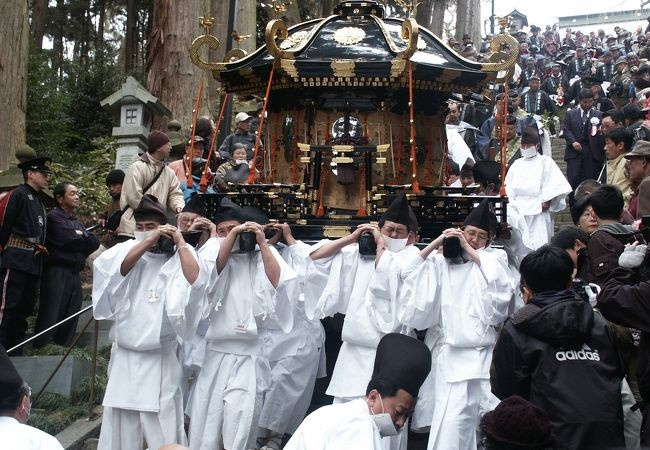 The brave Mikoshi (portable shrine), a historical road, and the atmosphere of an old house Shiogama to feel the Japanese atmosphere in the early spring