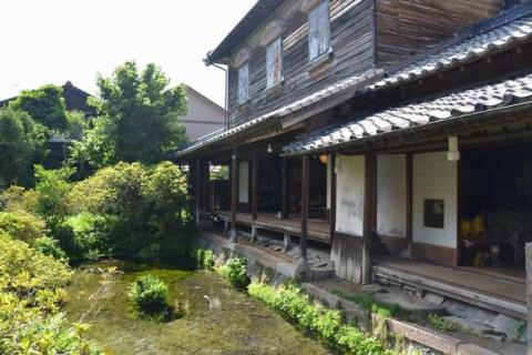 "The town of the beautiful nature and the spring water  Enjoy the history of the castle town and the atmosphere of ""water house"" in Shimabara, Nagasaki"