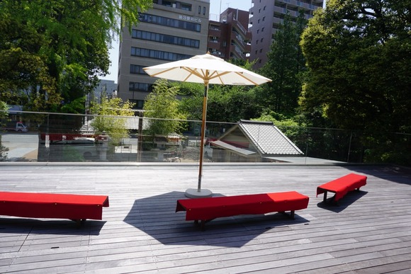 """Fulfilled with the green and silent, """"Temple Cafe"""" Enjoy the coffee and the Japanese atmosphere in Ikebukuro, a big city"""