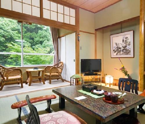 "7 islands in the Seto Inland Sea and ""Nibukawa-Onsen"" in Imabari, Ehime Go through ""Shimanami Kaido"" with the autumn breeze"